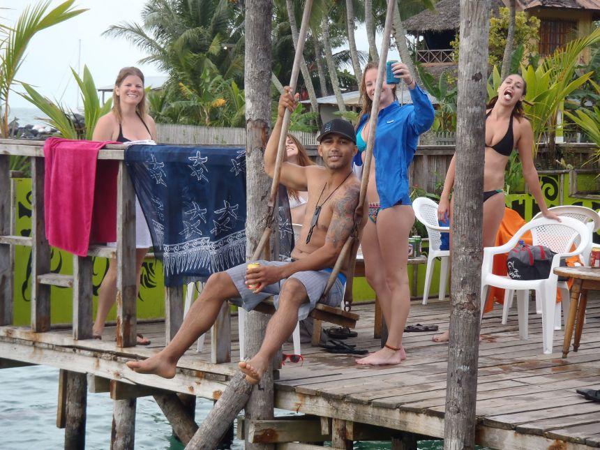 Aqua Lounge Bar and Hostel